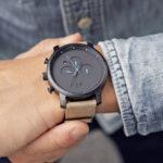 10 Best Casual Watches For Men & Women in 2021